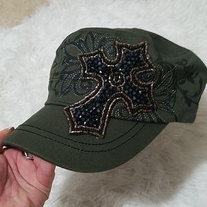 NWT. OLIVE GREEN CROSS HAT